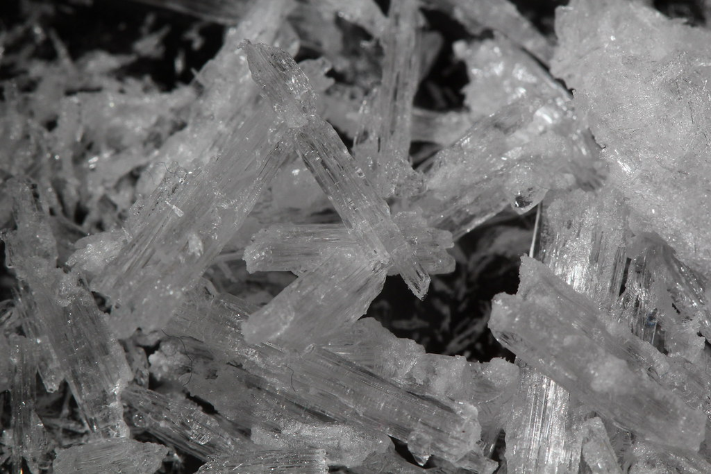 how to make potassium nitrate crystals