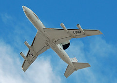 E-3 Overhead Approach (Rich Snyder--Jetarazzi Photography) Tags: plane airplane flying inflight acc lasvegas aircraft nevada jet nv boeing e3 airforce approach ok usaf radar usairforce sentry awacs nellisafb airborneearlywarning e3b lsv aircombatcommand airbornewarningandcontrolsystem klsv 761604 overheadapproach 552dacw redflag123 963daacs