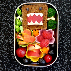 Domokun Sandwich Bento (sherimiya ) Tags: cute face bread cherries steel sheri peach broccoli sandwich homemade grapes domo kawaii bento domokun raspberries stainless obento peapods charaben sherimiya