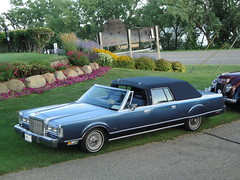 1987 Lincoln Continental Town Car Cameo Coach (DVS1mn) Tags: county blue cars car minnesota conversion 1987 limo lincoln custom towncar limousine 87 fomoco henryford fordmotorcompany kandiyohi autoglamma worldcars lincolnmercurydivision cameocoach