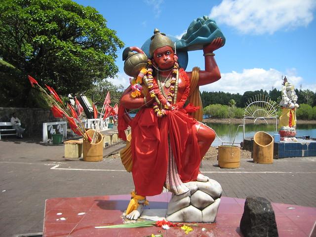 Индуисткий храм. Бог Хануман