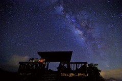 Milky Way (Vincent_Ting) Tags: sky taiwan daylily  formosa  sunrays  hualian    hemerocallisfulva      clousd