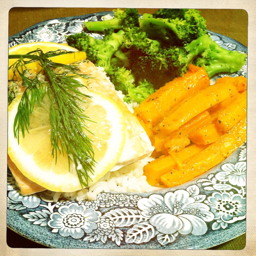 Salmon with Lemon-Dill Butter, Perfect Steamed Broccoli, Carottes étuvées au beurre