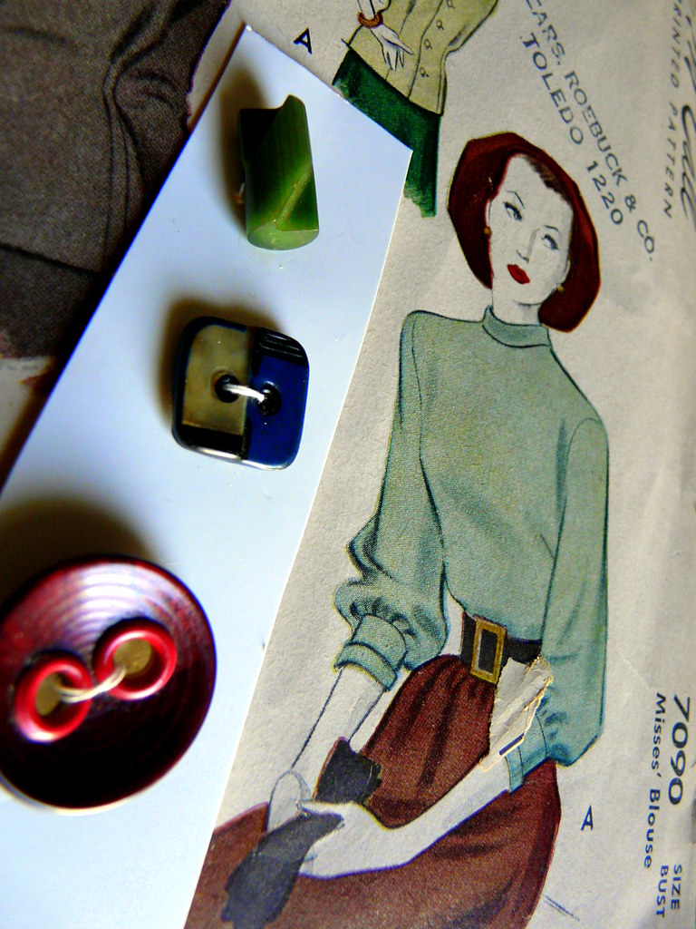 1947 McCall High-Neck Blouse & Collector's Set of Art Deco Buttons