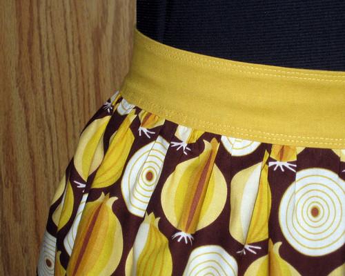 mod onions apron waistband