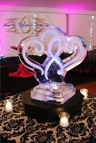 Intertwined Hearts Centerpiece ice sculpture