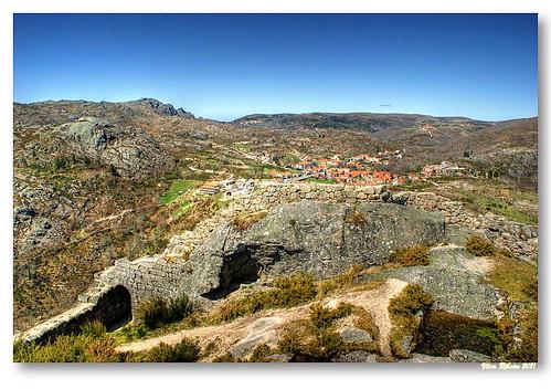 Ruínas do castelo de Castro Laboreiro #4 by VRfoto
