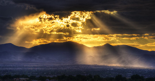 [Free Image] Nature / Landscape, Sunset, Mountain, Cloud, United States of America, Sunlight / Crepuscular Rays, 201108311900