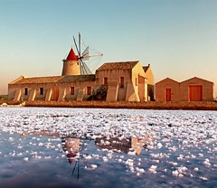 saline marsala (peo pea) Tags: sunset sale sicilia salina marsala ettore colorphotoaward infersa alwaysexc absolutegoldenmasterpiece