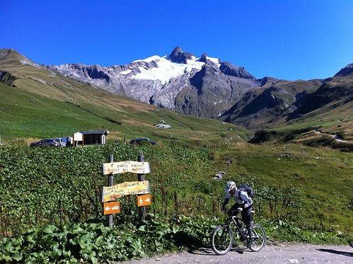 on the way to Refuge des Mottets