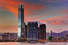 Dusk over Union Square & ICC / West Kowloon / Hong Kong (I Prahin | www.southeastasia-images.com) Tags: sunset sky sun moon tower colors architecture skyscraper hongkong star waterfront harbour dusk elements ritzcarlton unionsquare kowloon residential icc sar harbourside thearch canon50mm ritzcarltonhk
