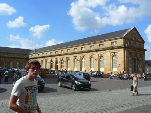 clem au marché couvert de Metz.jpg