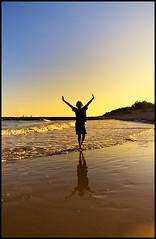 weather report (Problemkind) Tags: italien sunset sea sky italy beach strand meer waves sonnenuntergang himmel adria wellen mittelmeer dunaverde