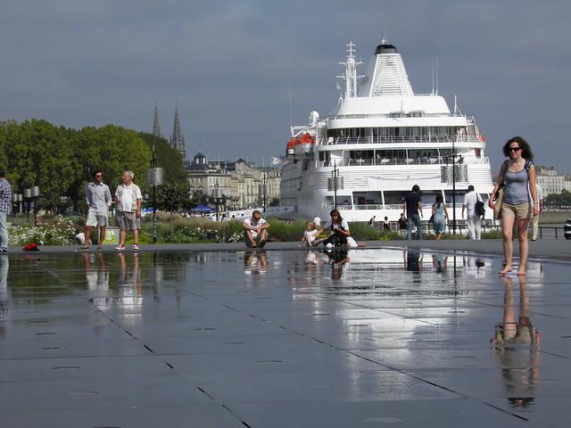 Au miroir d'eau de Bordeaux - P9100187