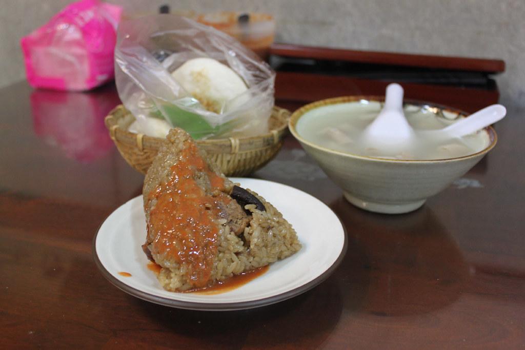 桃園中正路[阿乖肉粽]