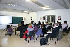Alumnos dando la charla del curso en Izarra