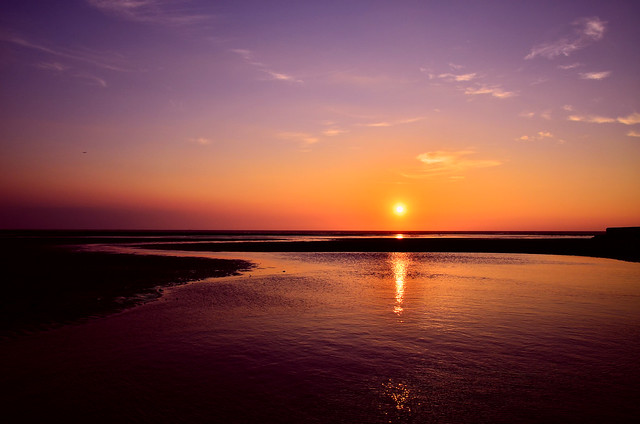 平常的夕陽..淡淡的,可是我喜歡:)