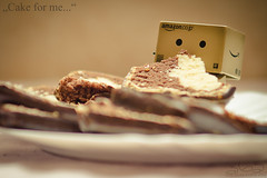 Cake for me... (Oliver Totzke) Tags: toy nikon f14 85mm days if pro mf 365 walimex danbo revoltech danboard d7000
