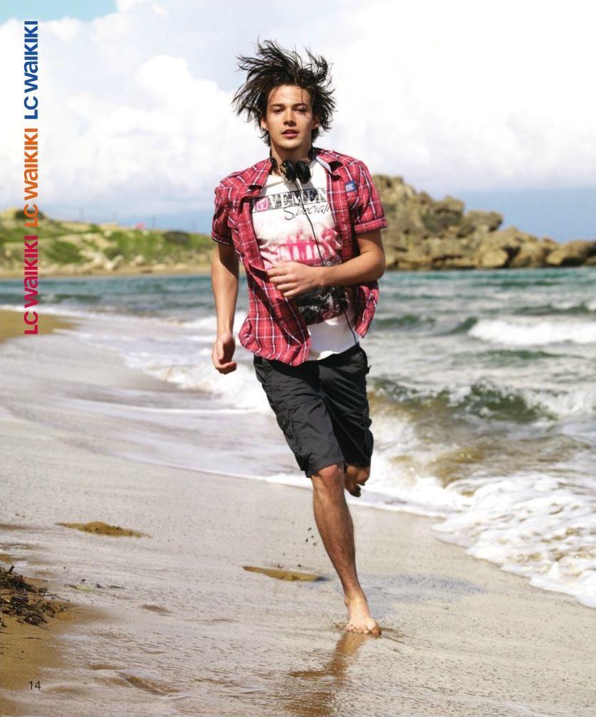 Rob Moore0242_LC Waikiki 2011 Catalog