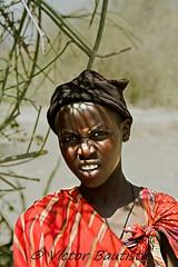 Draganizer kid (Víctor Bautista) Tags: life africa parque wild canon tanzania eos kid natural ngorongoro vida 7d serengeti niño dragan nacional masai efecto salvaje 100400 datoga draganizer