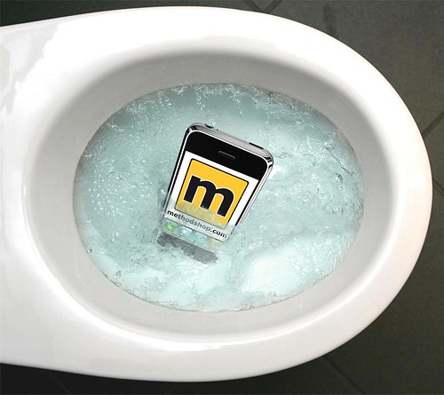 How To Rescue Your iPod from a Fall into the Toilet [tutorial]