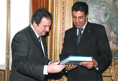 Barcelona Mayor Jordi Hereu receives UfMS Secretary General Ahmad Masa'deh in the Barcelona City Hall (ahmadmasadeh) Tags: ahmad masadeh