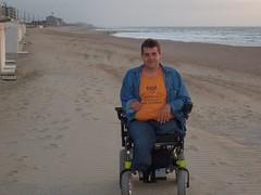 S6300335 (ampulove.net) Tags: above alex belgium wheelchair knee left amputee legless mariakerke