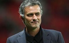 Mourinho no se va del Real Madrid y se disculpa