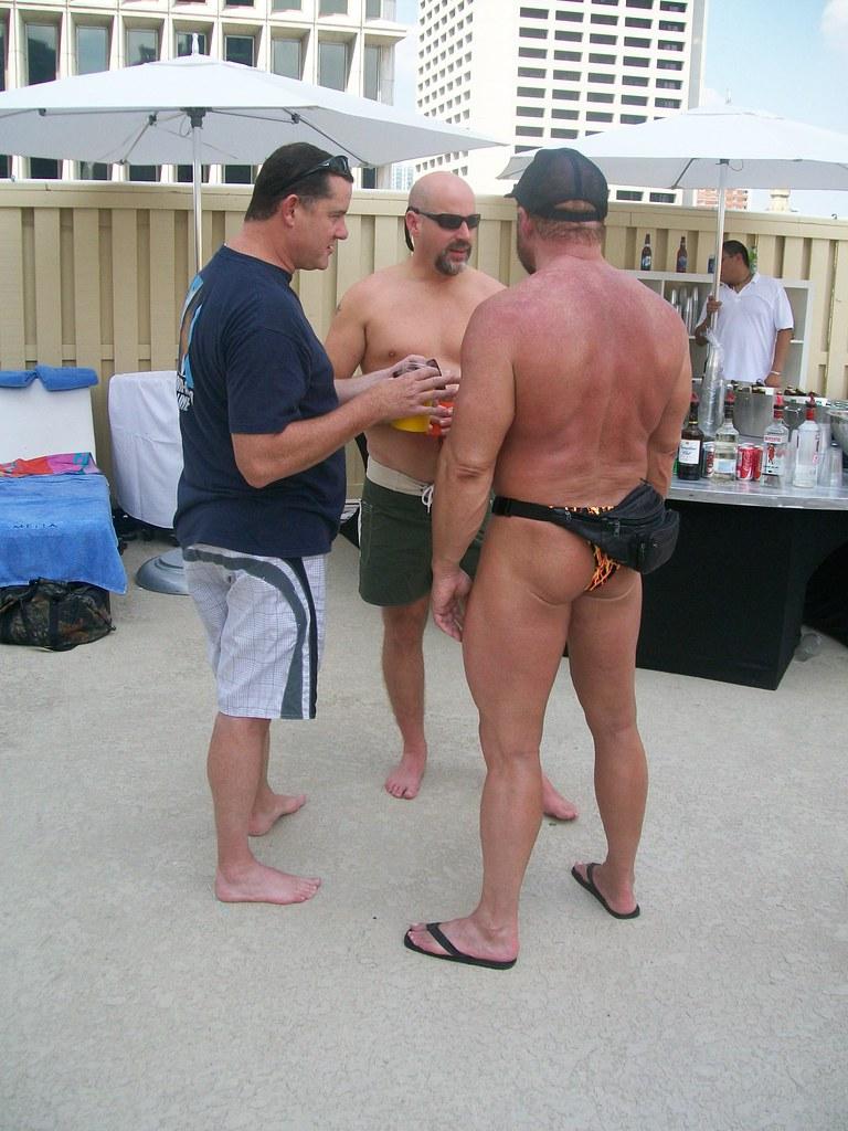 Moretzmpussy bears gay pics in thongs tube