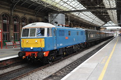 86259 Preston 25.8.11. (Blackburns Railway Scene) Tags: cross country peterpan class beast preston former 86 86259