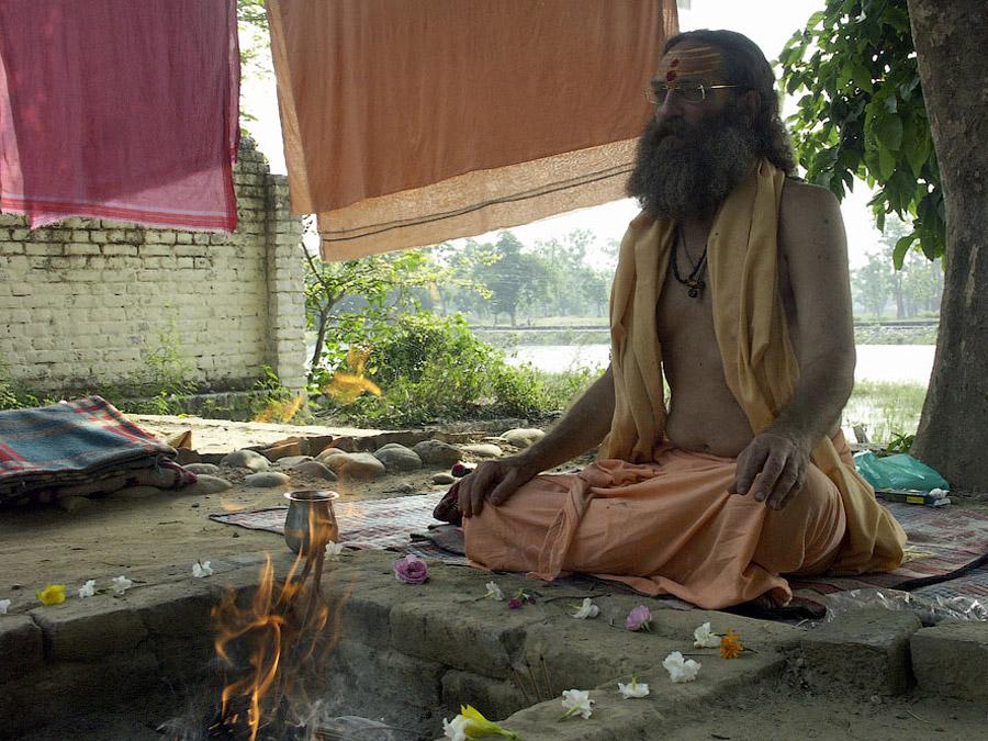 садху Рампури баба в своем ашраме, Харидвар © Kartzon Dream - авторские путешествия, авторские туры в Индию, тревел фото, тревел видео, фототуры