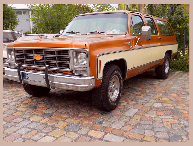 chevrolet suburban silverado 1979 v8 57litre 9seater