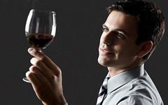 Las nuevas generaciones y el vino: de producto anticuado a símbolo sofisticado