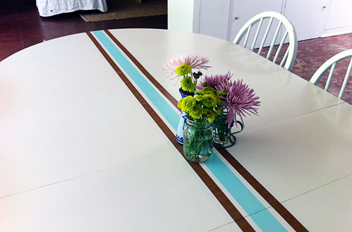 Retro surf dining table