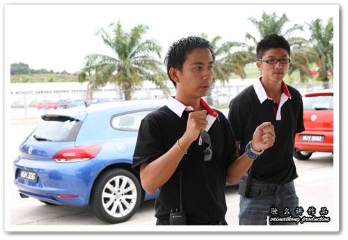 Alven giving briefing before the VW Driving Experience @ Sepang