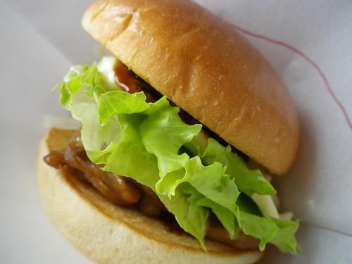 モスバーガー 八丁味噌チキンバーガー