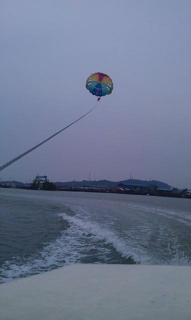 13 Batam Parasailing Watersports Harris