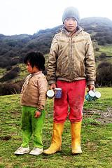 Hill kids (Neetesh Gupta (neeteshg)) Tags: portrait people india cup kids canon children tea hill darjeeling westbengal sandakphu 2011 mountailn