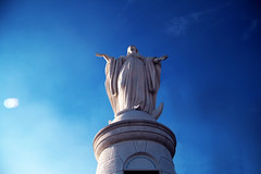 virgin mary statue (amy.herbs) Tags: chile santiago statue bluesky cerrosancristbal virginmarystatue sancristbalhill