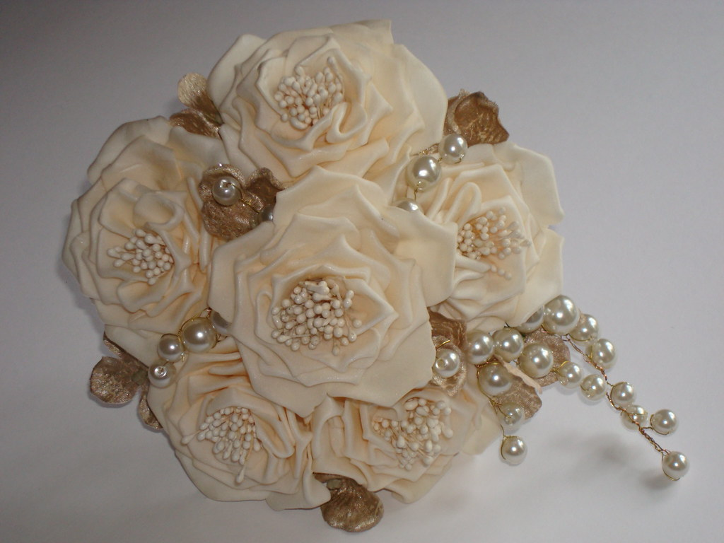 Champagne and pearl bouquet