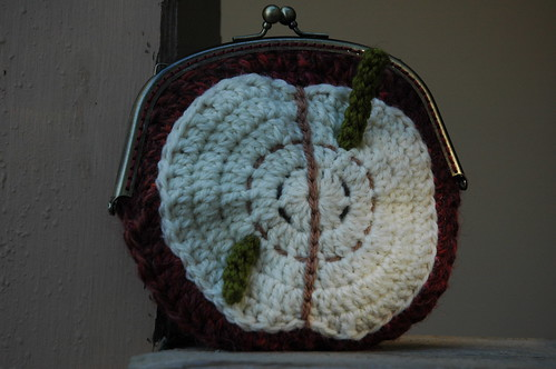 Apple Purse 1