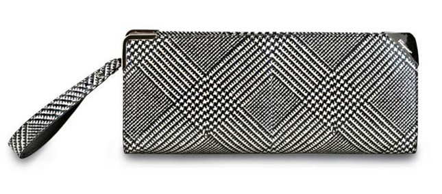5 - fw11-12-clutch2-ferragamo-press