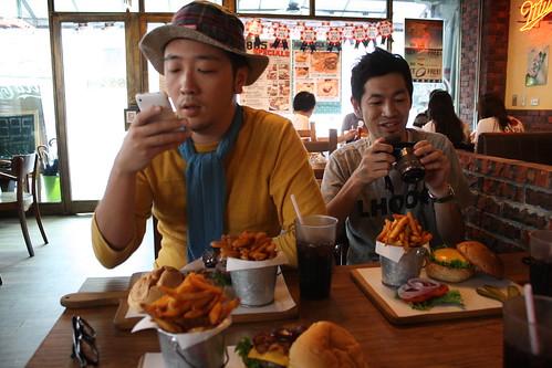 [台湾2.5] ハンバーガーがきた。
