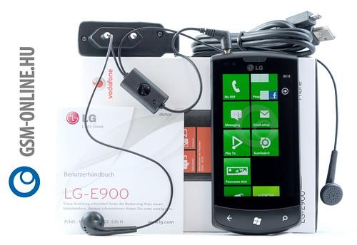 LG Optimus 7 tartozékokkal