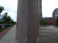 scharfe Kante.. (hannes vosgerau   unknown711) Tags: berlin architecture architektur gebäude kante tegel scharfe