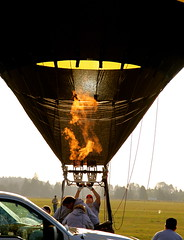 Firing up (mathowie) Tags: balloons hotairballoons mcminnville evergreenmuseum