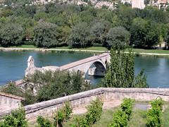 Avignone - il ponte (Luca131313) Tags: blue sky france verde nuvole image blu sony fiume cybershot vert rhône raisins rivière ponte cielo pont provence nuages uva 城 vigne フランス avignone 川 vigneto vigna rodano ブリッジ プロヴァンス アヴィニヨン dschx5 luca131313