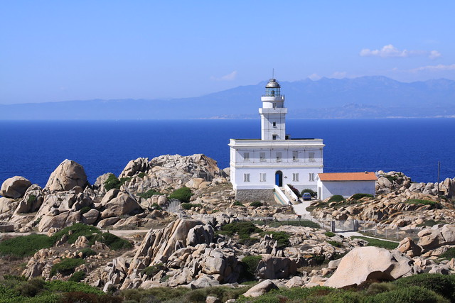 The lighthouse on Capo Testa, with Corsica looming in the background...