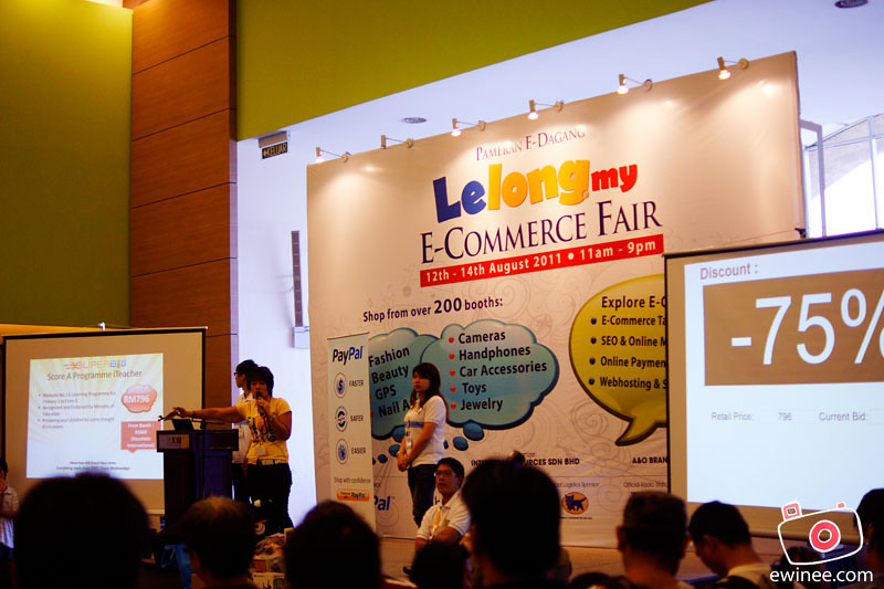 LELONG-FAIR-MIDVALLEY-AUGUST-2011--75