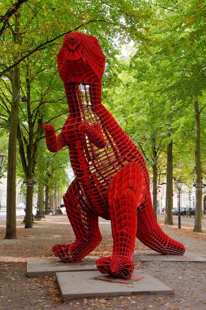 Dinosaur Amidst the Wind (2009)